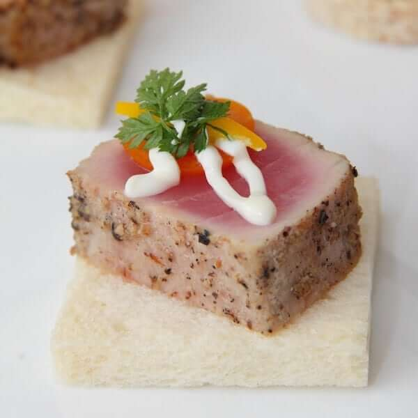 奇珍吞拿魚伴青芥末忌廉汁 Tuna